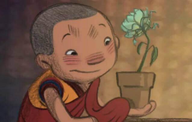 dechen-monaco-buddista-con-fiore-del-cortometraggio-Smettere-di-controllare